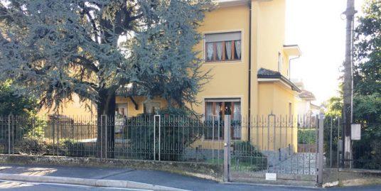 Villa per due Famiglie – Centrale